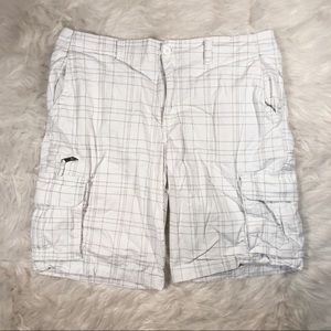 George Men's White/Gray Plaid Cargo Shorts Size 38
